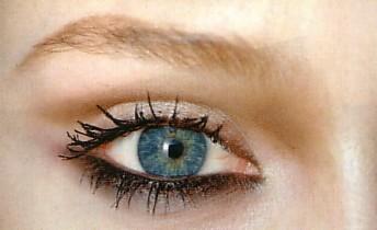 occhi chiari.jpg