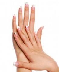 come curare le mani con metodi naturali,cure naturali,mani curate,mani arrossate,cure naturali,unghie indebolite,