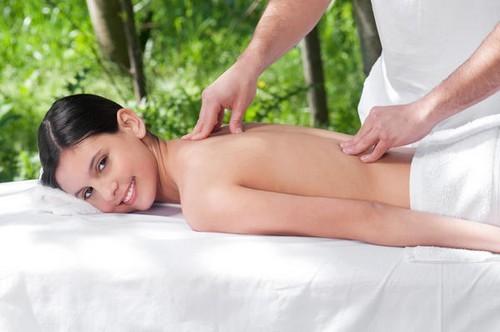 come curare la lombalgia in modo naturale,lombalgia,curare la lombalgia,cure naturali,curarsi con le erbe,
