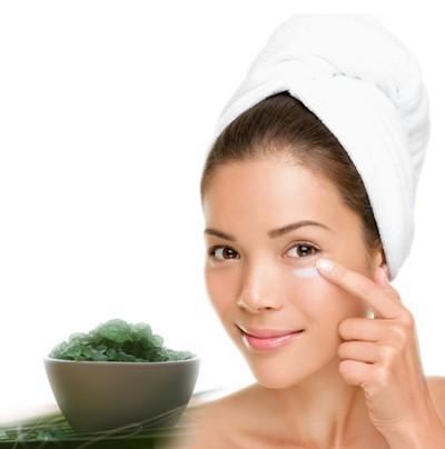 maschere tisane e lozioni naturali contro l'acne,cura naturale acne,acne,come curare l'acne,maschera per acne,lozione contro l'acne,acne viso,