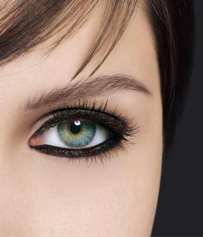 come mettere la matita occhi,come applicare la matita occhi,matita occhi,occhi truccati,truccare gli occhi,trucco,bellezza,