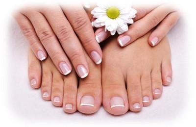 unghie perfette per l'estate,smalto,smalto per unghie,mani curate,smalto moda,unghie colorate,unghie decorate,